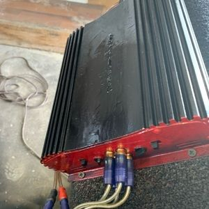 California 4200 400 W amp 4 channel